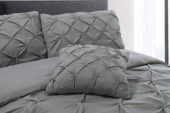 Aaryan Linen Pinch Pleat Pintuck Duvet Cover Set with Zipper Closure includes Pillow Cases and a Complementary Pintuck Cushion Cover - Set of 4 (Silver, King)